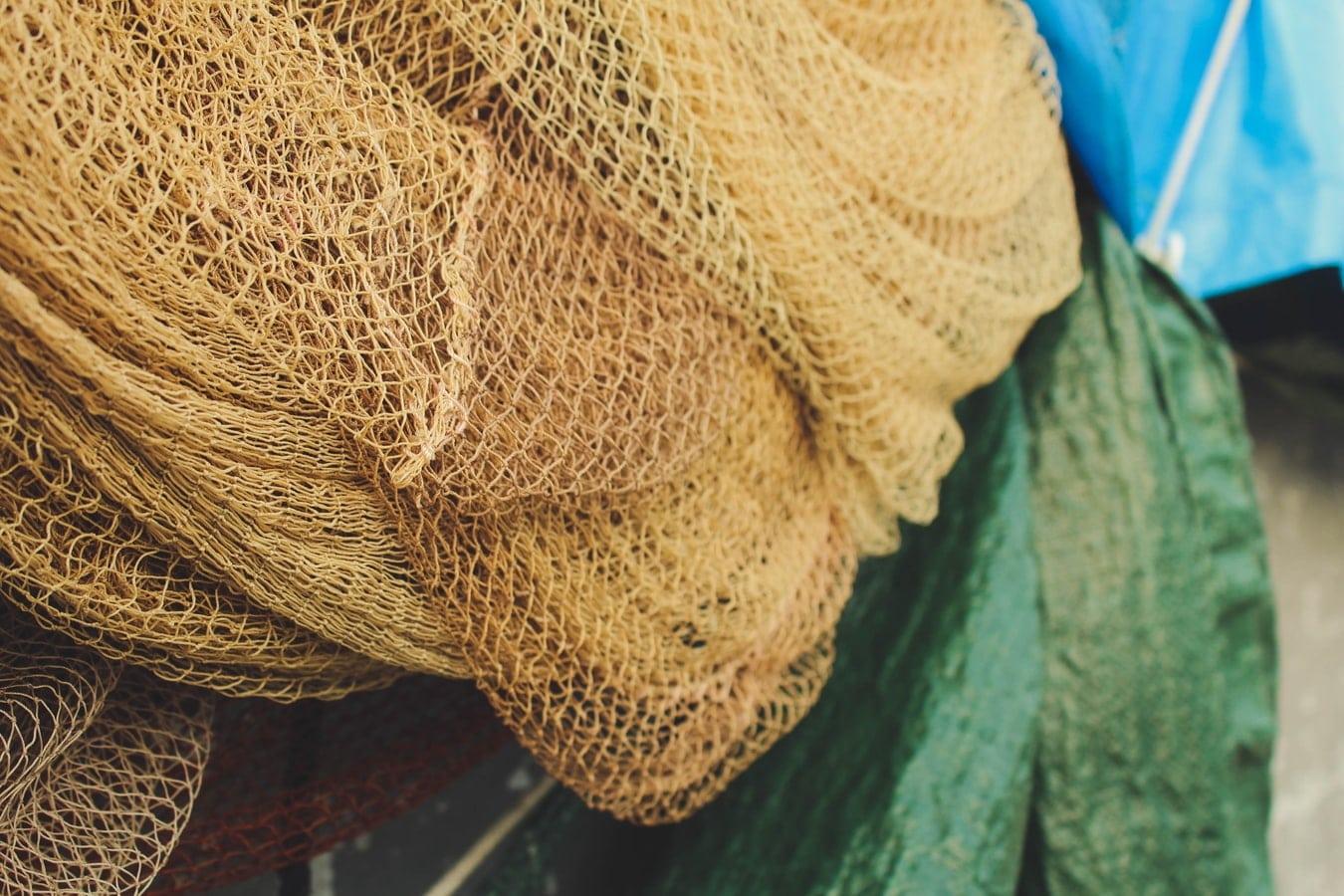 Filet de pêche sur un chalutier